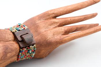 Image Small Wooden Buckle Beaded Bracelet - PZ42